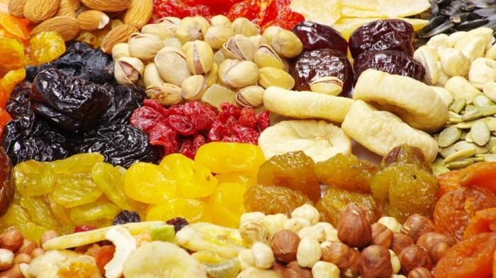 trockene früchte nüsse natürliche wachmacher