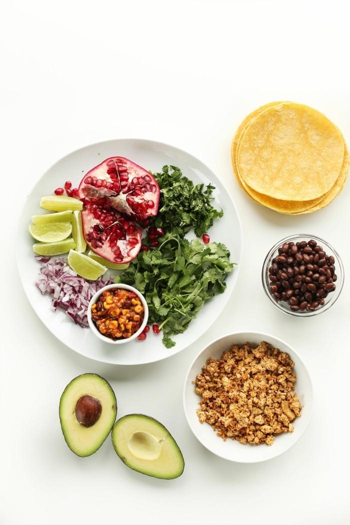 veganes frühstück osterbrunch gesund avocado salat tacos müsli