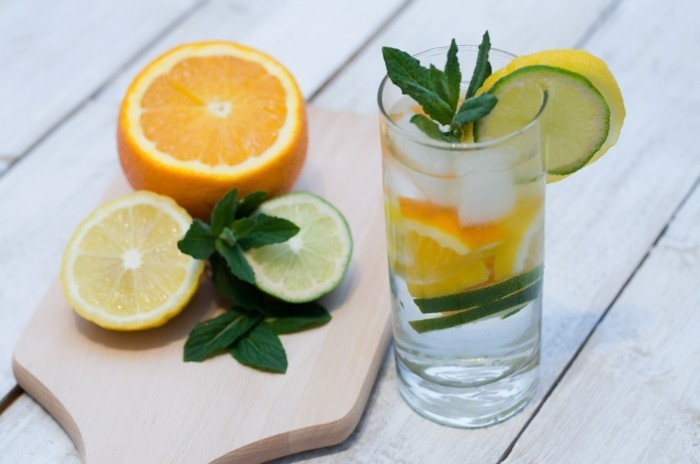 zitronenwasser minze orange detox