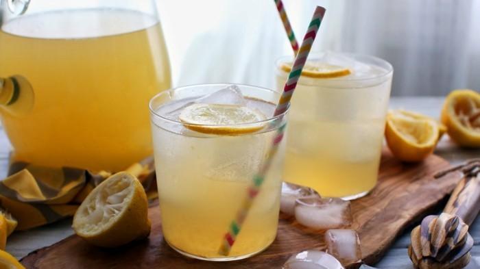 zitronenwasser trinken limonade selber machen