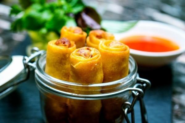 Abenteuer weltweit reisen vietnamesische Frühlingsrollen süßsaure Sauce