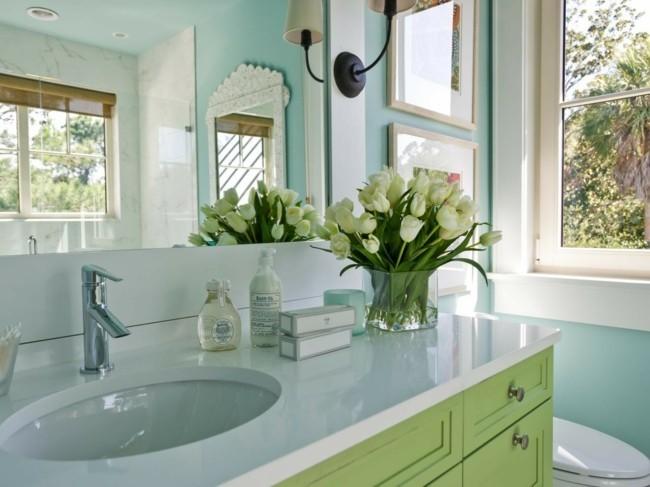 Badezimmerspiegel charmante moderne farben