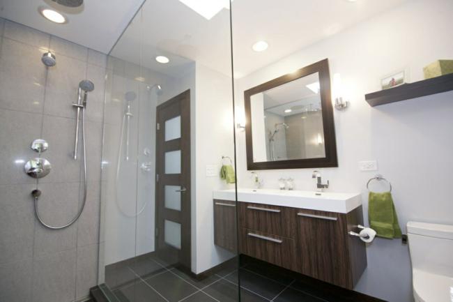 Badezimmerspiegel klassischer Rahmen design tolle Ideen