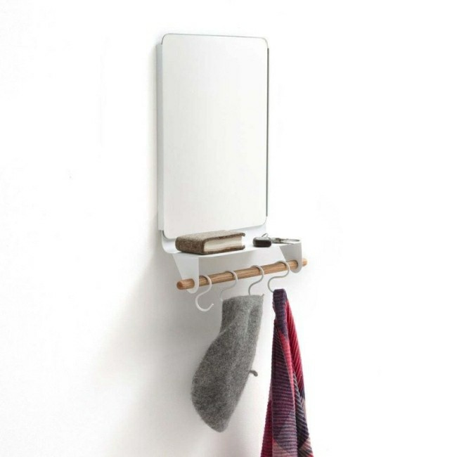 Badezimmerspiegel mit tollen badetüchern
