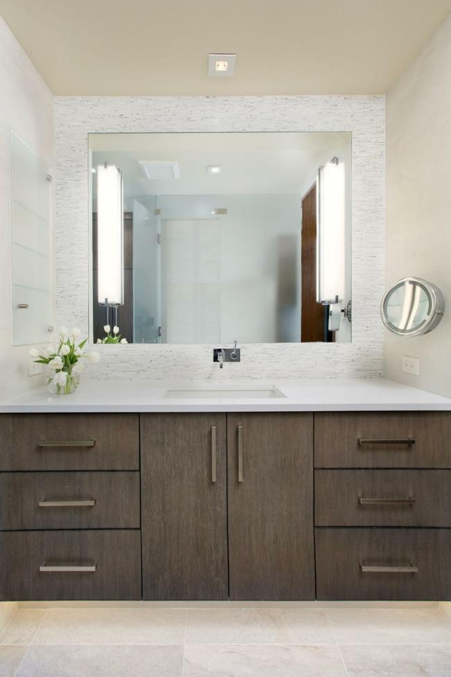 Badezimmerspiegel mit toller beleuchtung