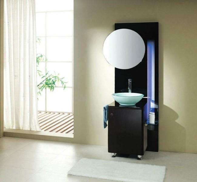 Badezimmerspiegel dekorieren praktische tipps und - Badezimmerspiegel modern ...