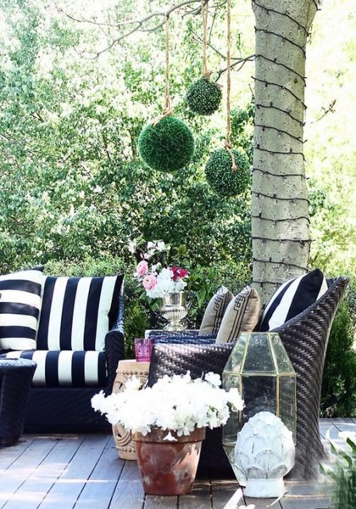 Gestaltung Ideen kleine Gärten Flechtmöbel