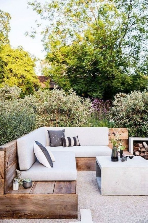 Gestaltung Ideen kleine Gärten Gartenmöbel selber bauen