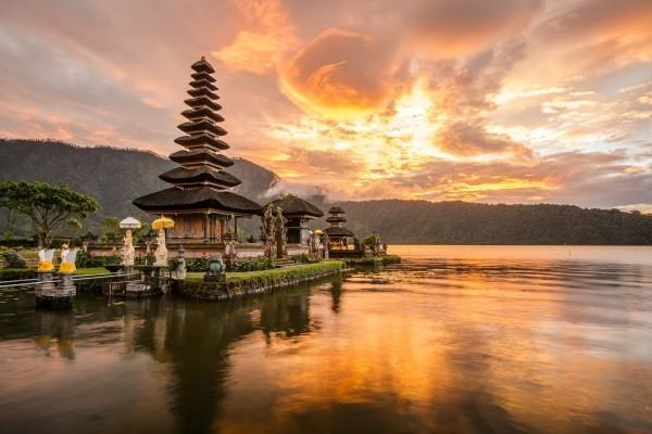 Interessanter Urlaubsort Hindu-Tempel Bratan See