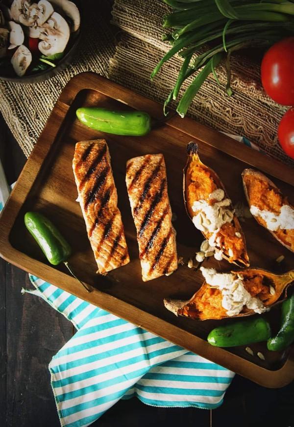 Mexikanische Gerichte Fisch Nogada Sauce