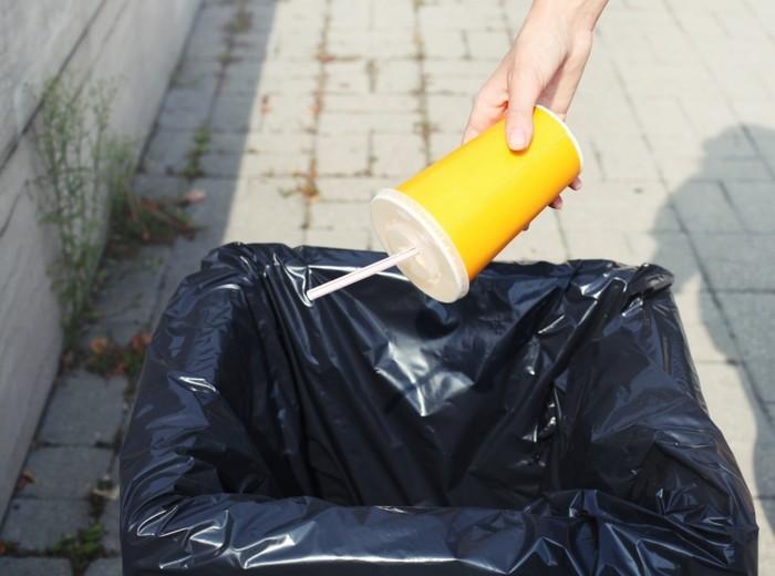 Recycling Basteln mit Plastikbechern was passiert mit dem muell