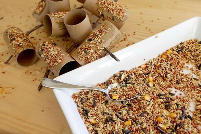 Recycling basteln Vogelfutterhaus bauen Müll reduzieren material schritt fuer schritt futter