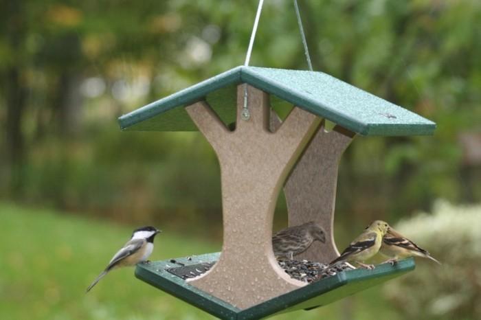 Recycling basteln Vogelfutterhaus bauen Müll reduzieren vogel