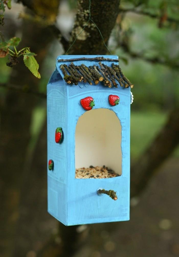 Recycling basteln Vogelfutterhaus bauen Müll reduzieren