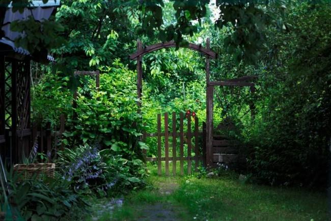 Rustikaler Charme Gartentor alt aus Holz
