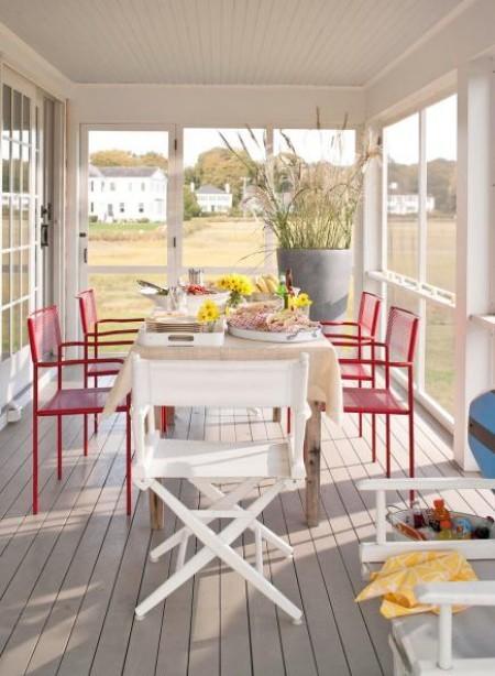 Schmale Veranda Sitzecke zwei Sessel