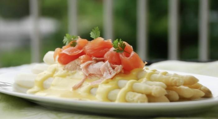 Spargel richtig kochen spargelzeit spargel gesund spargelcremesuppe lachs