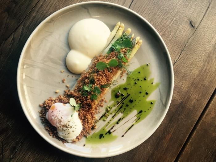 Spargel richtig kochen spargelzeit spargel gesund varianten ei gekocht