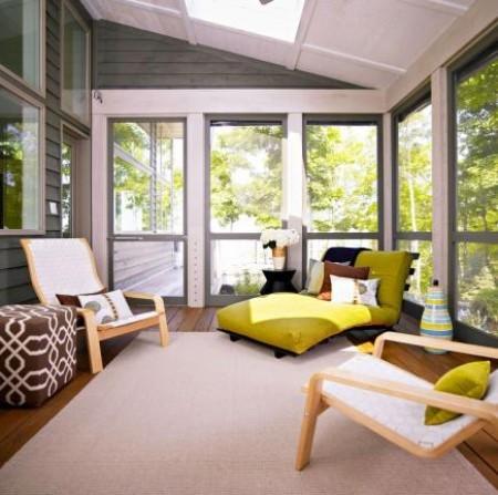 Wohnen auf der verglasten Veranda Wohnzimmer draußen