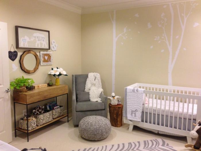 babyzimmer deko ideen bäume aufbewahrungskörbe teppich