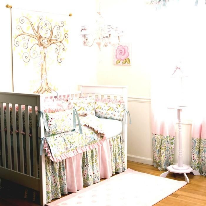 babyzimmer deko ideen florale muster helles ambiente