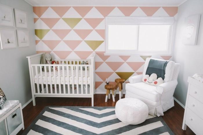 babyzimmer deko ideen geometrische tapete weißer sessel