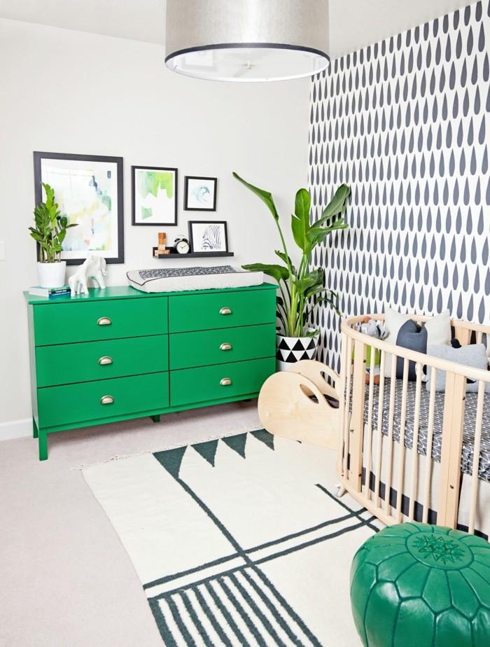 babyzimmer deko ideen grüne kommode heller teppich