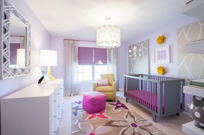 babyzimmer farben lilatöne florale muster teppich