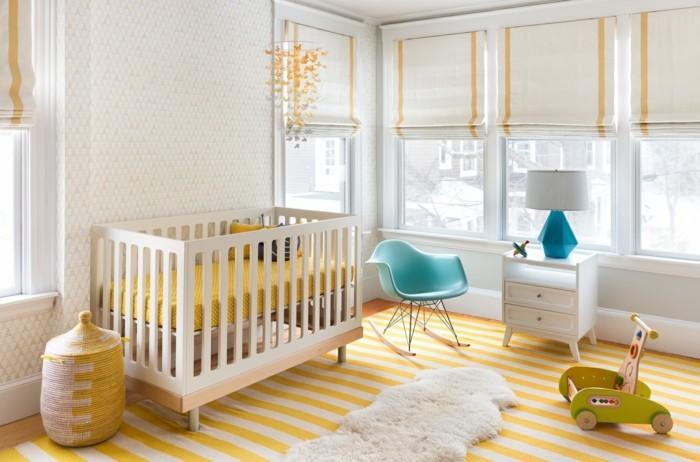 babyzimmer ideen ausgefallene farbkombinationen streifenteppich schaukelstuhl