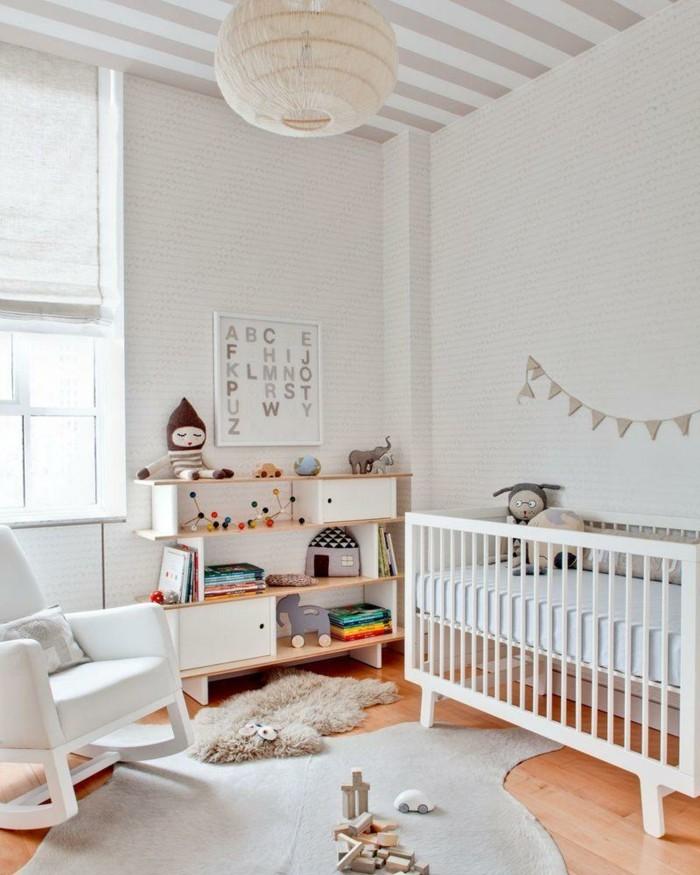 babyzimmer ideen teppich schaukelstuhl weißes gitterbett