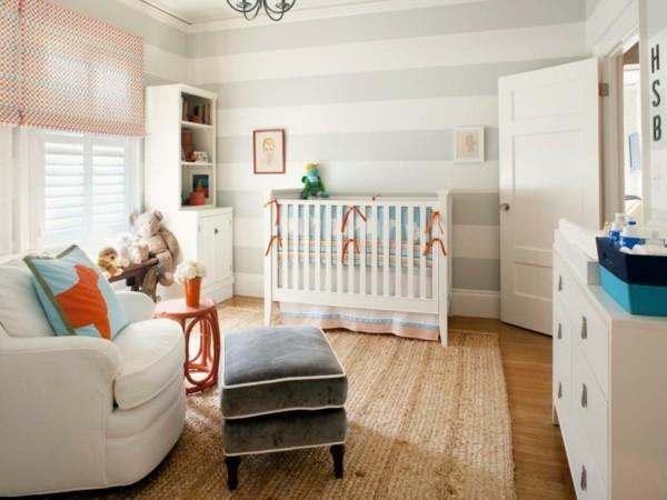 babyzimmer junge ideen streifentapete helle farben weiße möbel