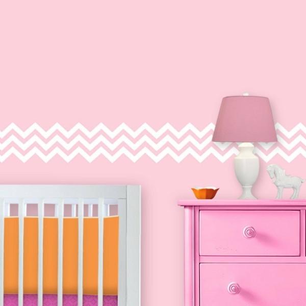 bordüre babyzimmer zig zag muster rosa wände