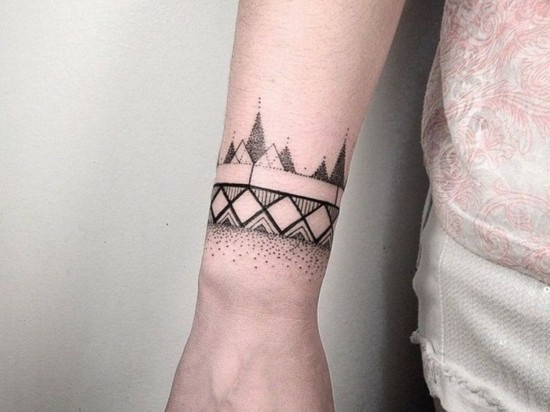 dotwork tattoo handgelenk