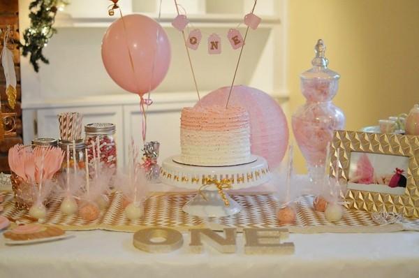 33 Tafeldeko Ideen So Gestalten Sie Den Perfekten Geburtstagstisch