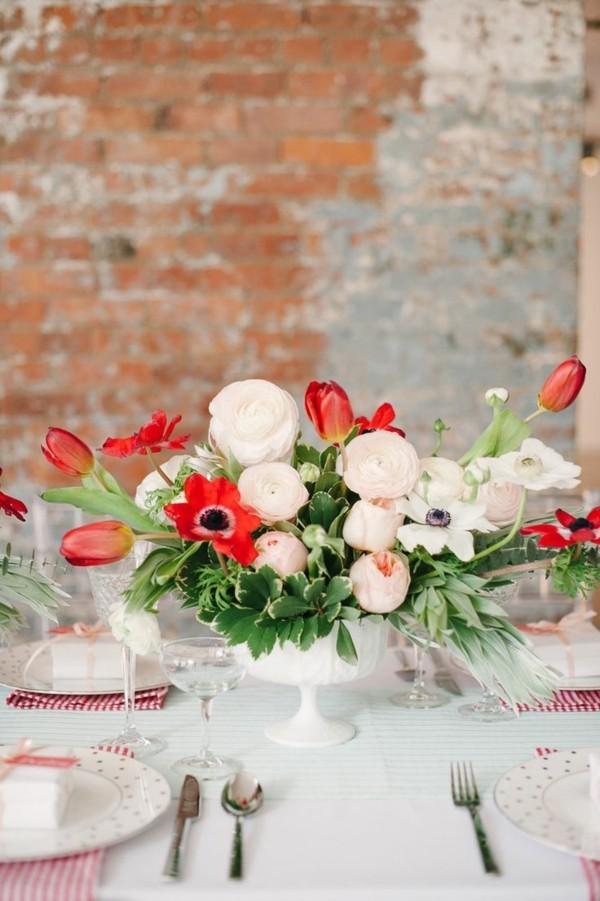 frühlingsblumen deko elegante tischdeko blumen