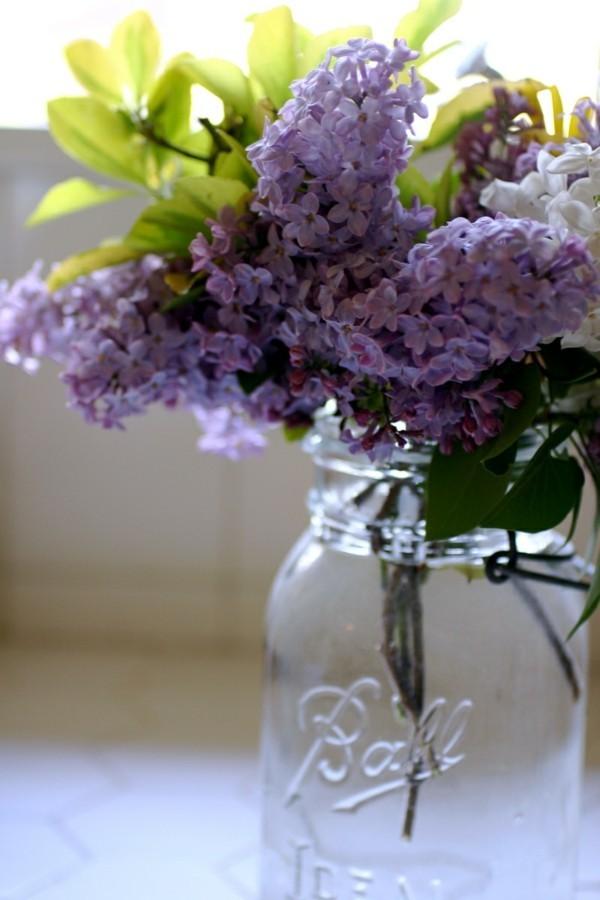 frühlingsblumen deko flieder einmachglas dekoideen