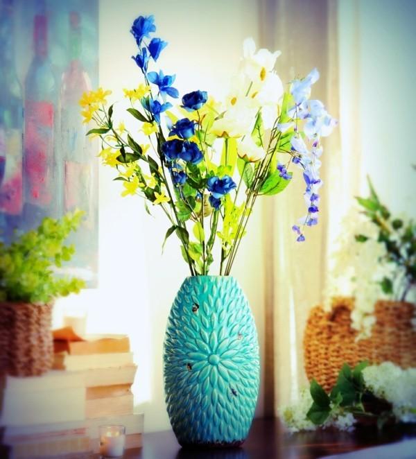 fr hlingsblumen deko bringt freude und farbe in die wohnung. Black Bedroom Furniture Sets. Home Design Ideas