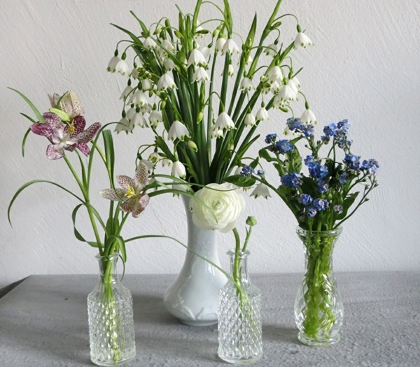 frühlingsblumen deko vergissmeinnicht maiglöckchen