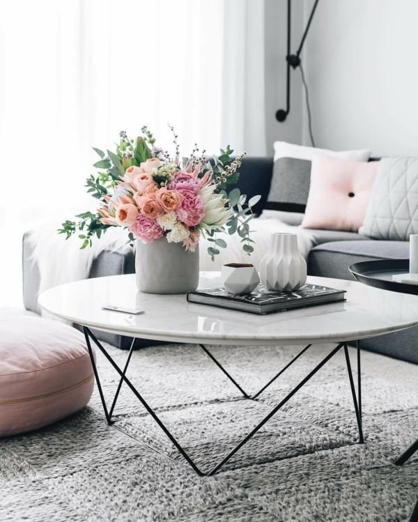 frühlingsblumen deko wohnzimmer dekorieren