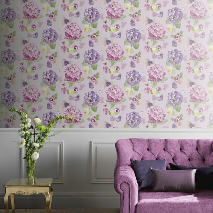 frühlingsfarben frische wandgestaltung lila sofa
