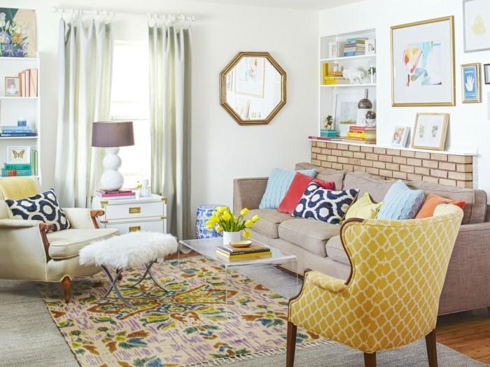 frühlingsfarben gelber sessel farbiger teppich dekokissen
