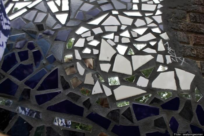 gartenweg anlegen upcycling ideen trittsteine gestalten zerbrochener spiegel