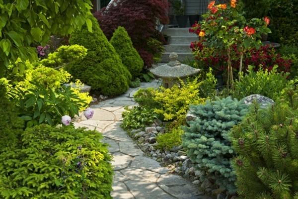 gartenweg ideen naturstein pflanzen frische gartengestaltung