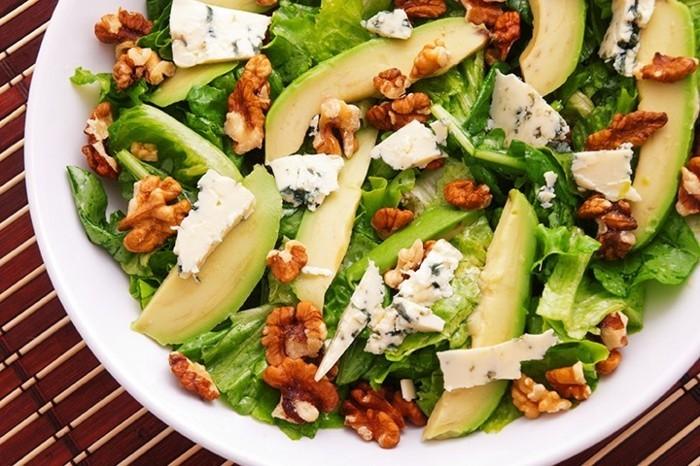 gesunde ernährung salat was tun gegen heißhunger