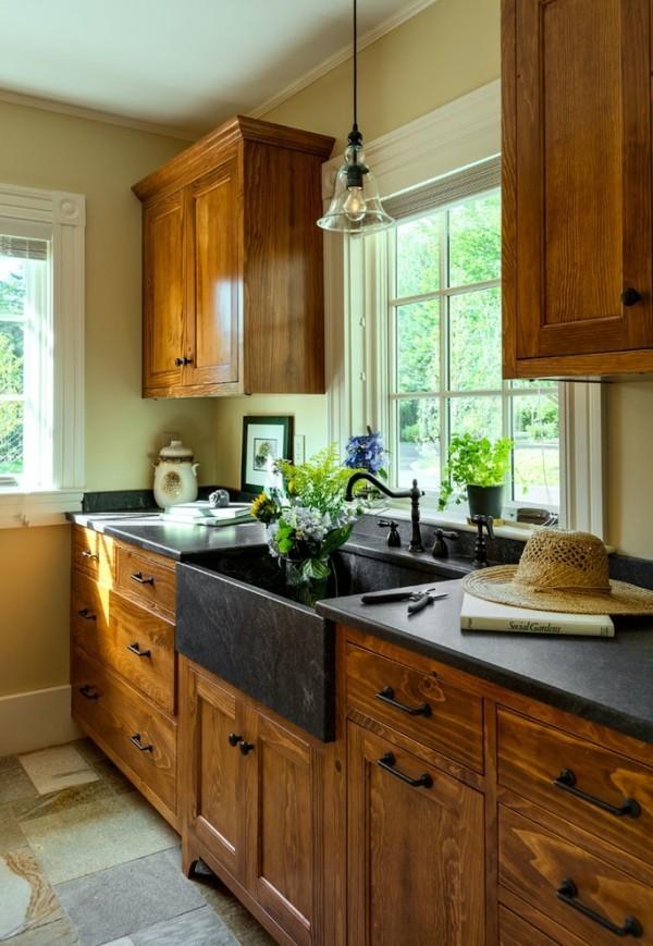 küchenspüle granit schwarze arbeitsoberfläche holzschränke