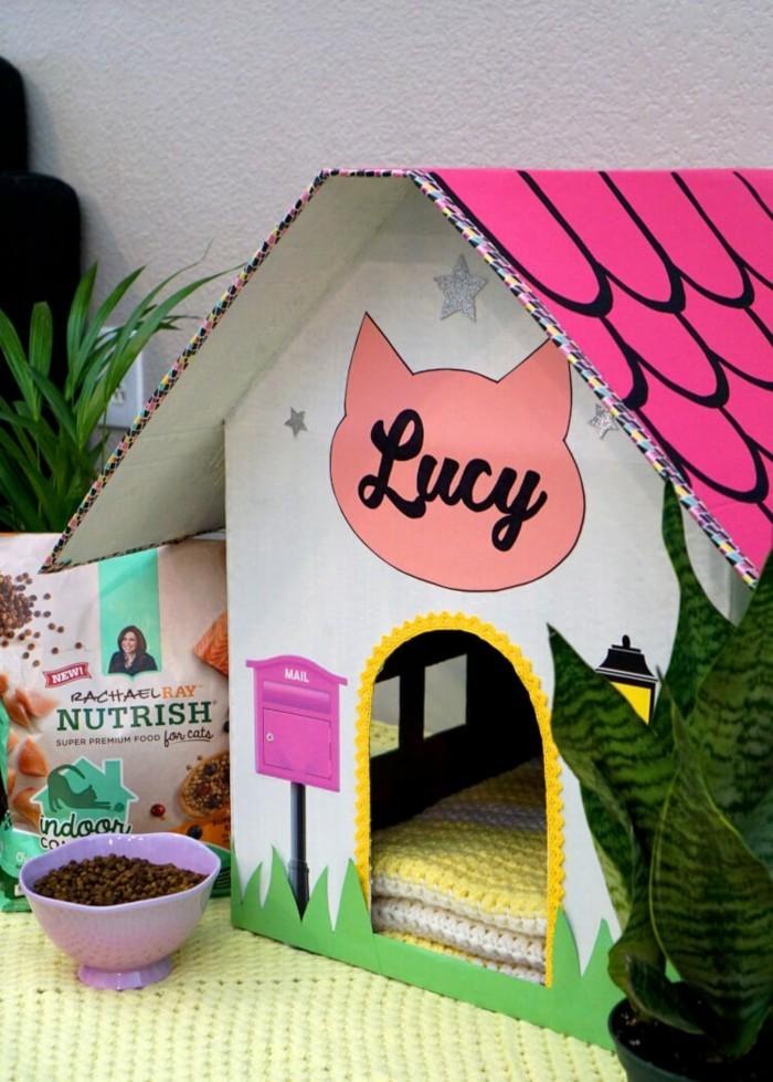 katzenhaus selber bauen moebel aus pappe katzenhaus aus karton rosa