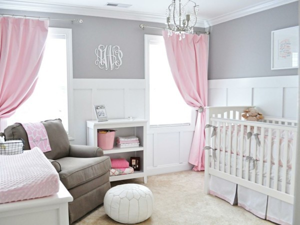 mädchen babyzimmer grau weiß rosa akzente