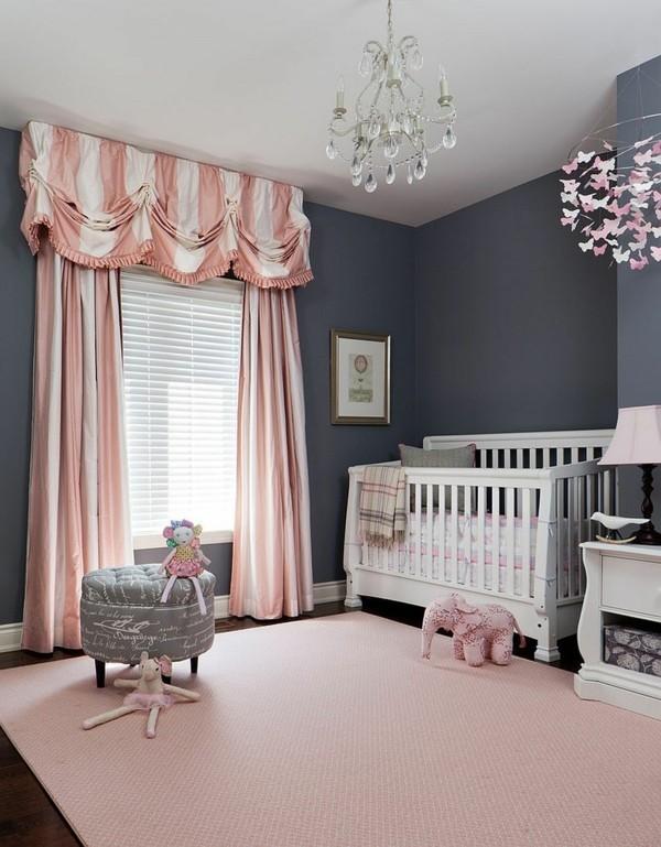 mädchen babyzimmer graue wände rosa teppich gardinen