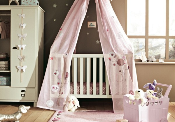 mädchen babyzimmer rosa grau kombination beige wände