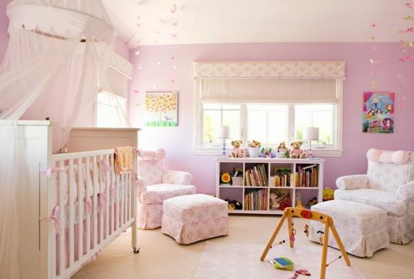 mädchen babyzimmer rosa wände sessel teppichboden